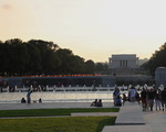 W oddali Lincoln Memorial.