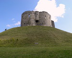 -Clifford Tower i miasto